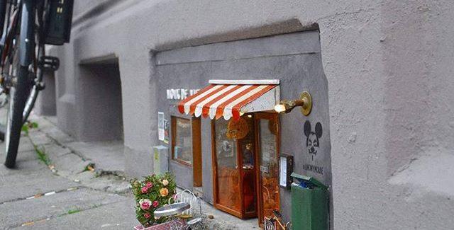 Anonymouse apre a Malmö un mini ristorante ed un mini negozio per topi